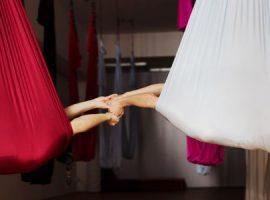 Fliegendes Yoga Varianten
